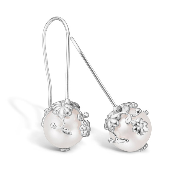 d7a648c4e51 Blossom øreringe – sølv m. ferskvandsperler og blomstermotiv ...