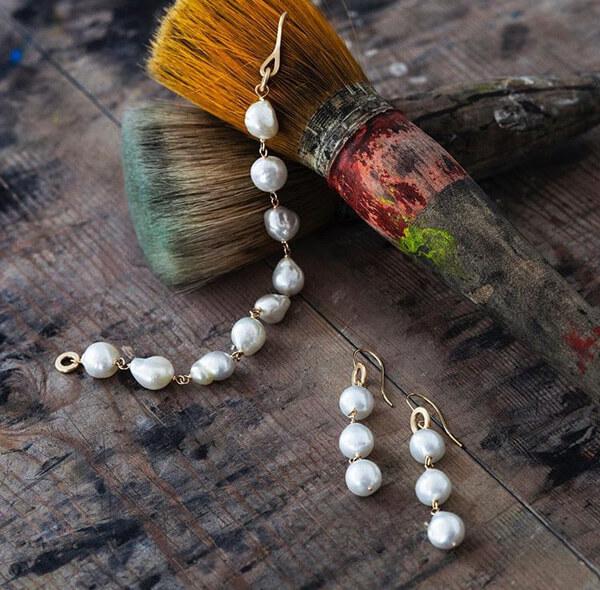hvitfeldt, smykker, ure, dulong, ocean, perler, smykker, guld, sølv, armbånd, halskæde, øreringe, ring, ringe, ur